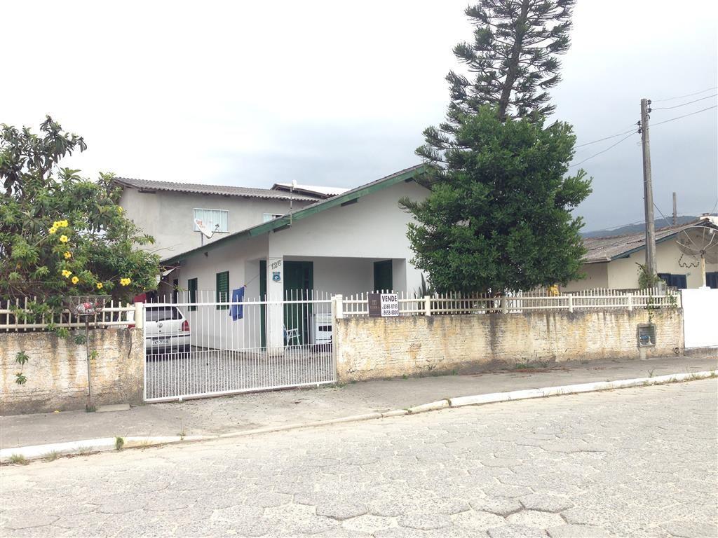 Casa com 2 dormitórios no Bairro Morretes