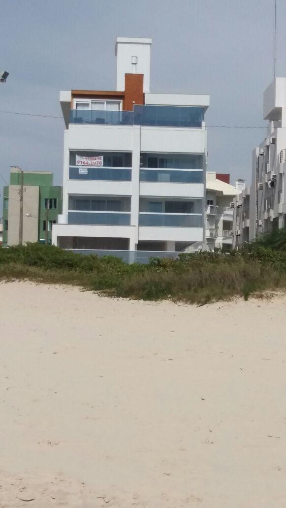 Não tem  igual- Apartamento 03 suítes e 03 vagas pé na areia com vista do mar
