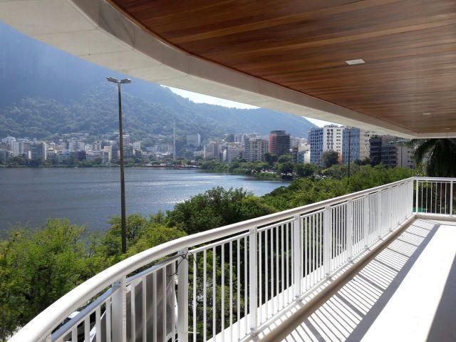 4 Suítes - Frontal Lagoa - 175M² - R$3.400.000