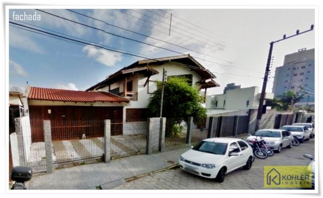 Venda - Casa no Centro de Itajaí!