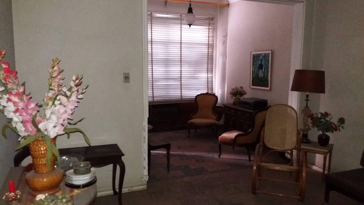Grajaú  Apartamento  Rua Bambui  Sala  e três   quartos