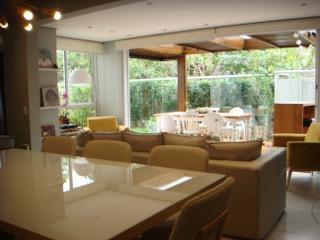 Apartamento Garden, com jardim, 2 suítes, sala ampliada, cozinha aberta.
