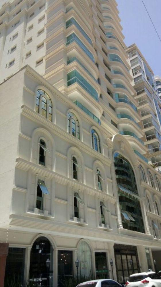 Lindo apartamento alto padrão, 4 suítes e 3 vagas de garagem, à venda em Meia Praia - Itapema!