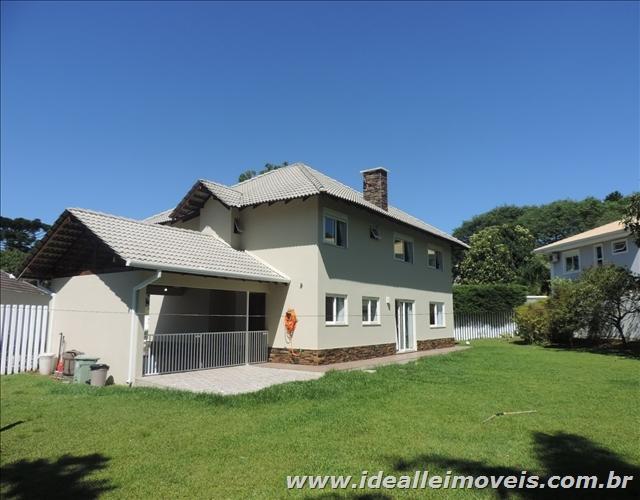 Casa em condomínio terreno com 1200m²