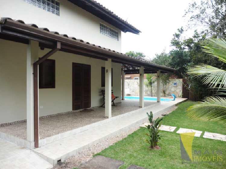Casa com piscina a venda em itamambuca