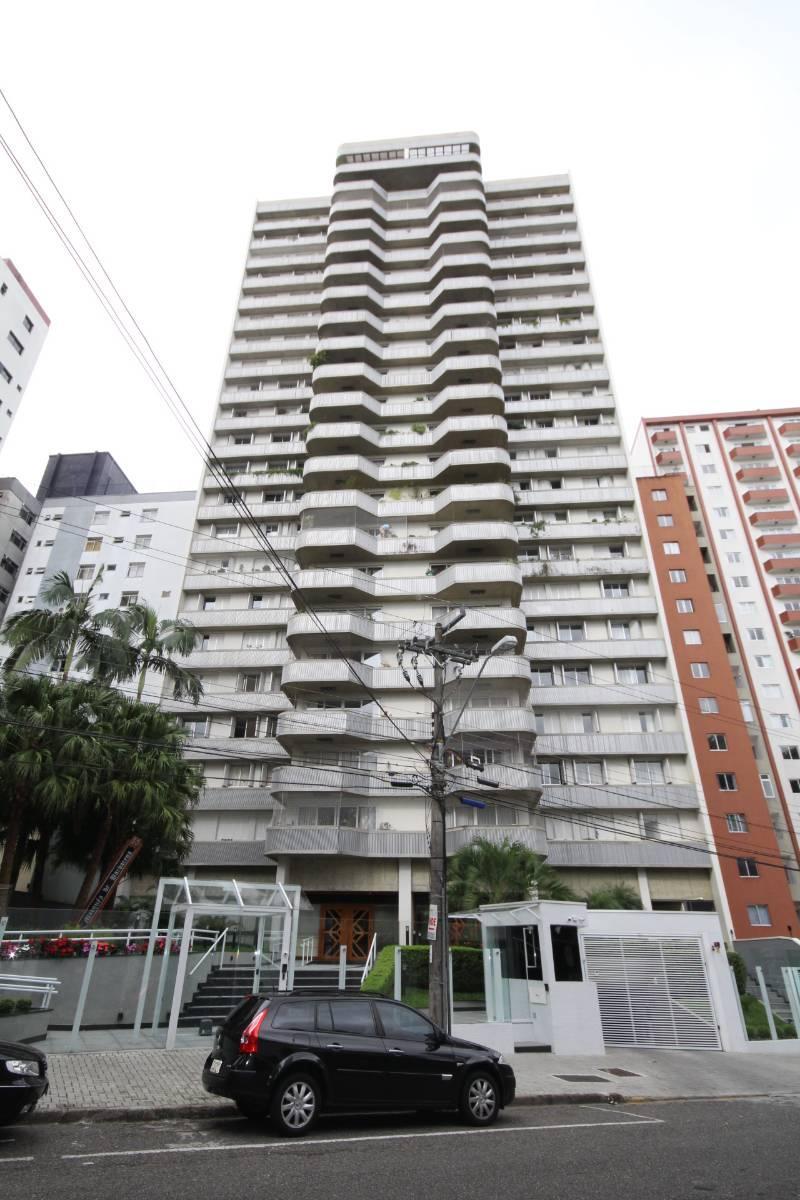 Apartamento para alugar no Batel