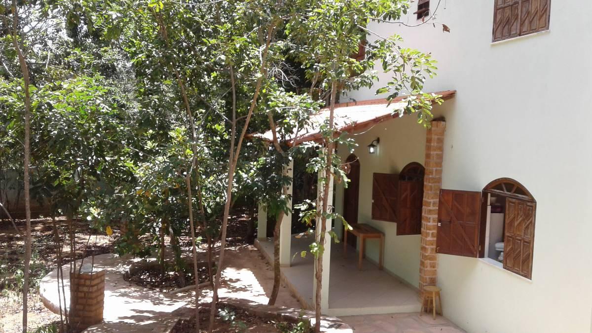 Casa ampla e nova em área nobre próxima a cachoeiras