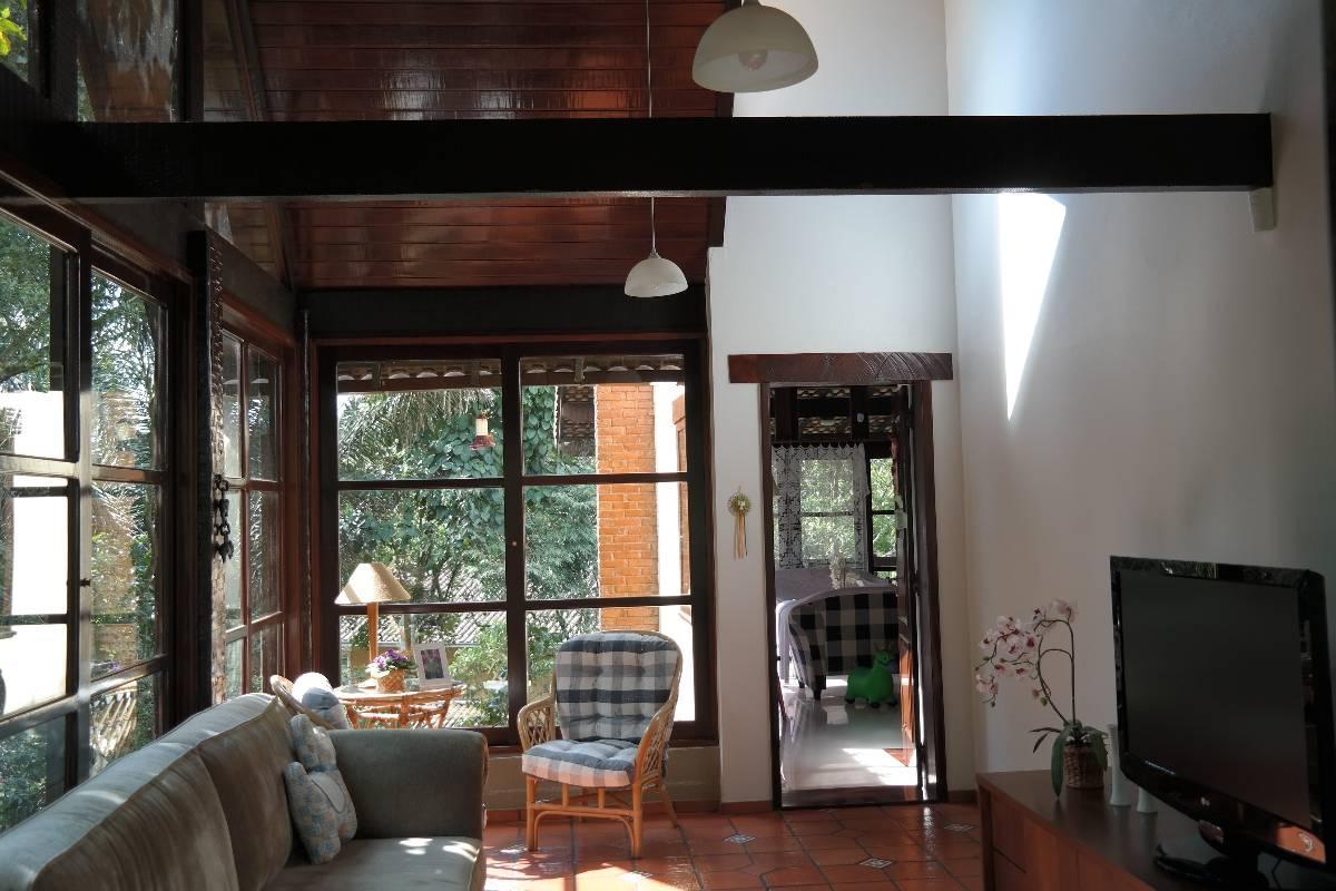 Linda propriedade no condomínio Comary - Gleba 6 - Teresópolis
