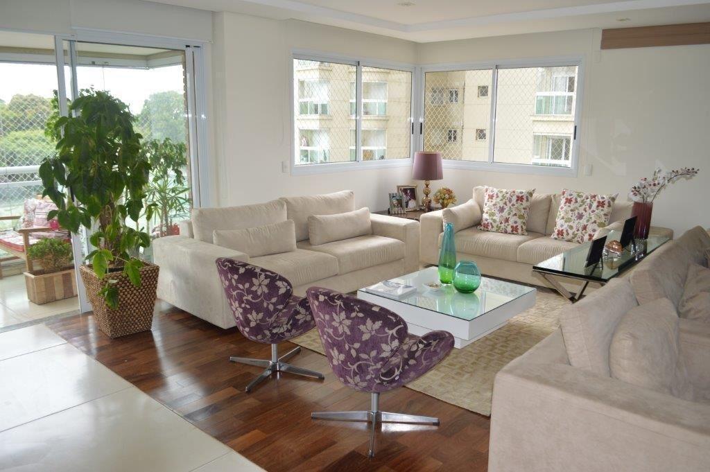 Brooklin com 240,0 0m² com 4 dormitórios , 4 suítes , 6 banheiros e 4 vagas 240 m²