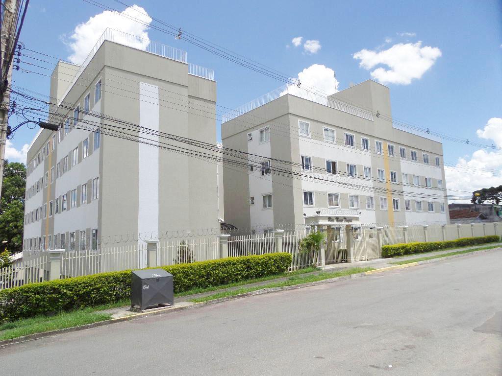 Apartamento no Bairro Tingui,  03 Quartos e 01 Vaga de Garagem.