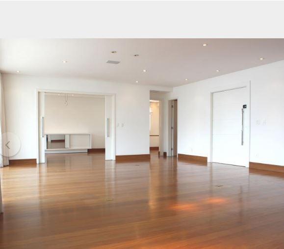 Apartamento na Vila Nova Conceição - 311 m² - 3 suítes - 4 vagas
