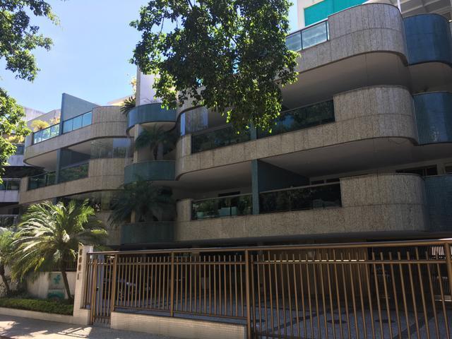 Excelente apartamento de 2 quartos na Barra da Tijuca Jardim Oceanico