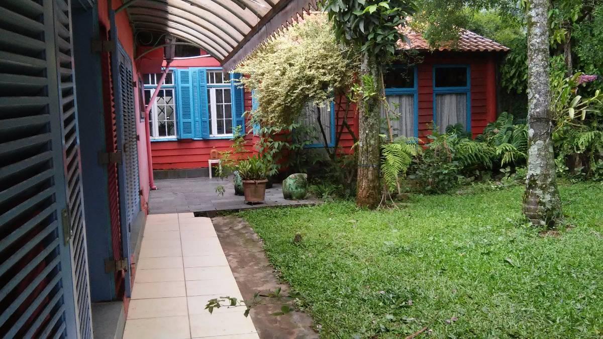 Casa Comercial e Residencial Parque Taipas - Chalé e Restaurante