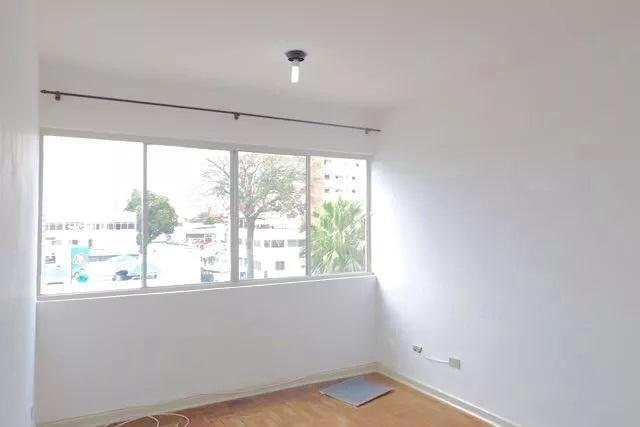 Apartamento à venda - na Vila Ema