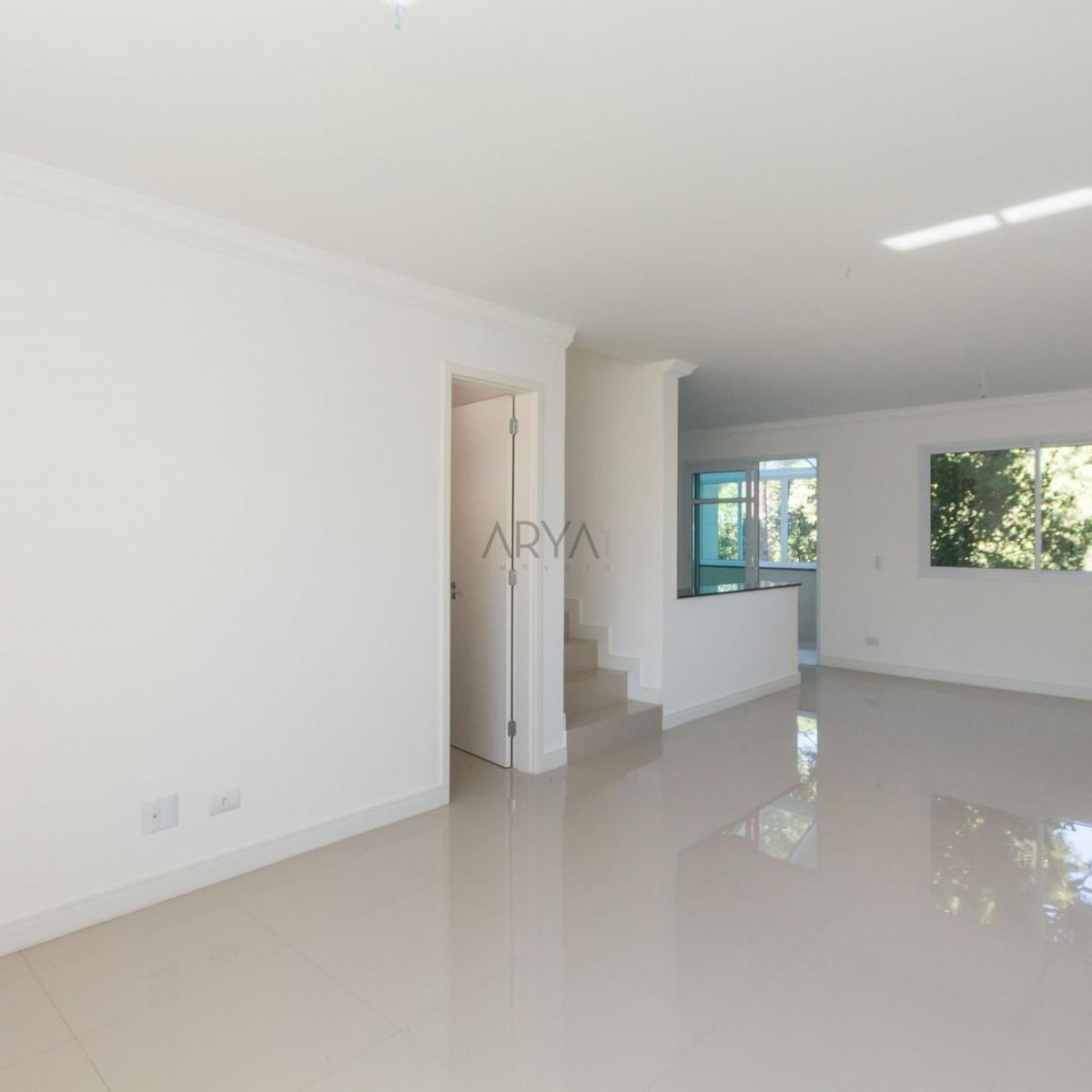 http://www.infocenterhost2.com.br/crm/fotosimovel/208844/01_living_sobrado_3_quartos_campo_comprido.jpg