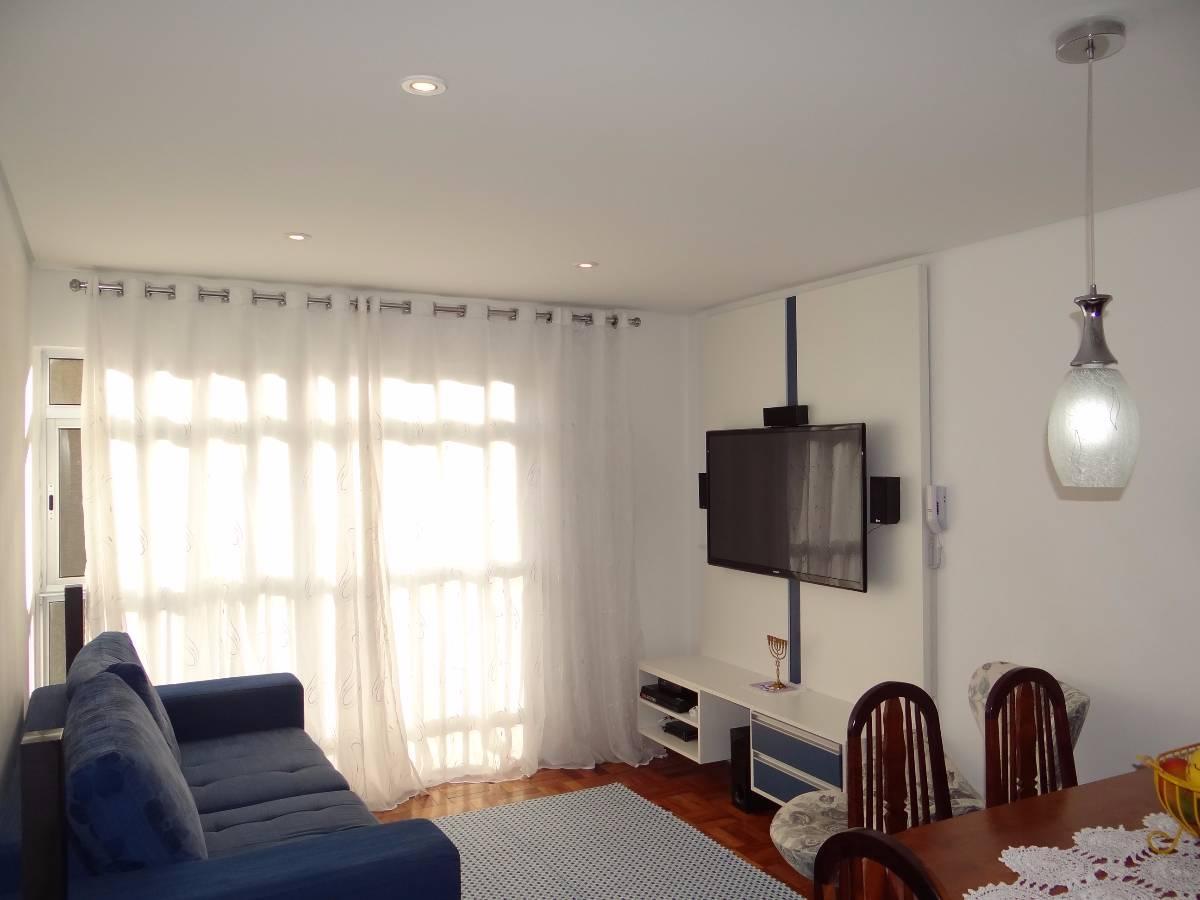 Excelente apartamento semi-mobiliado de 2 Dorm., 1 Vaga - Bela Vista