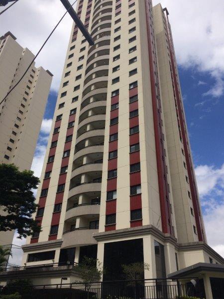 Apartamento no Tatuapé com 79 m² em ótimo estado de conservação com 03 dormitórios.