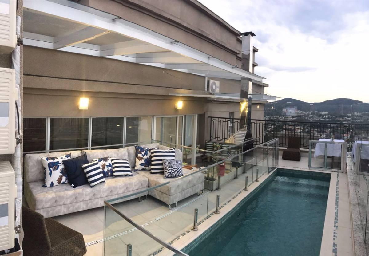 Cobertura com piscina aquecida, 4 Quartos e sala c/ pé direito duplo!
