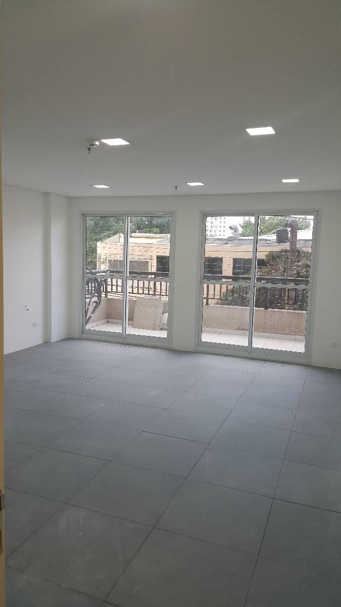 Sala comercial ao lado do metrô Saúde, manobrista e recepção 24horas