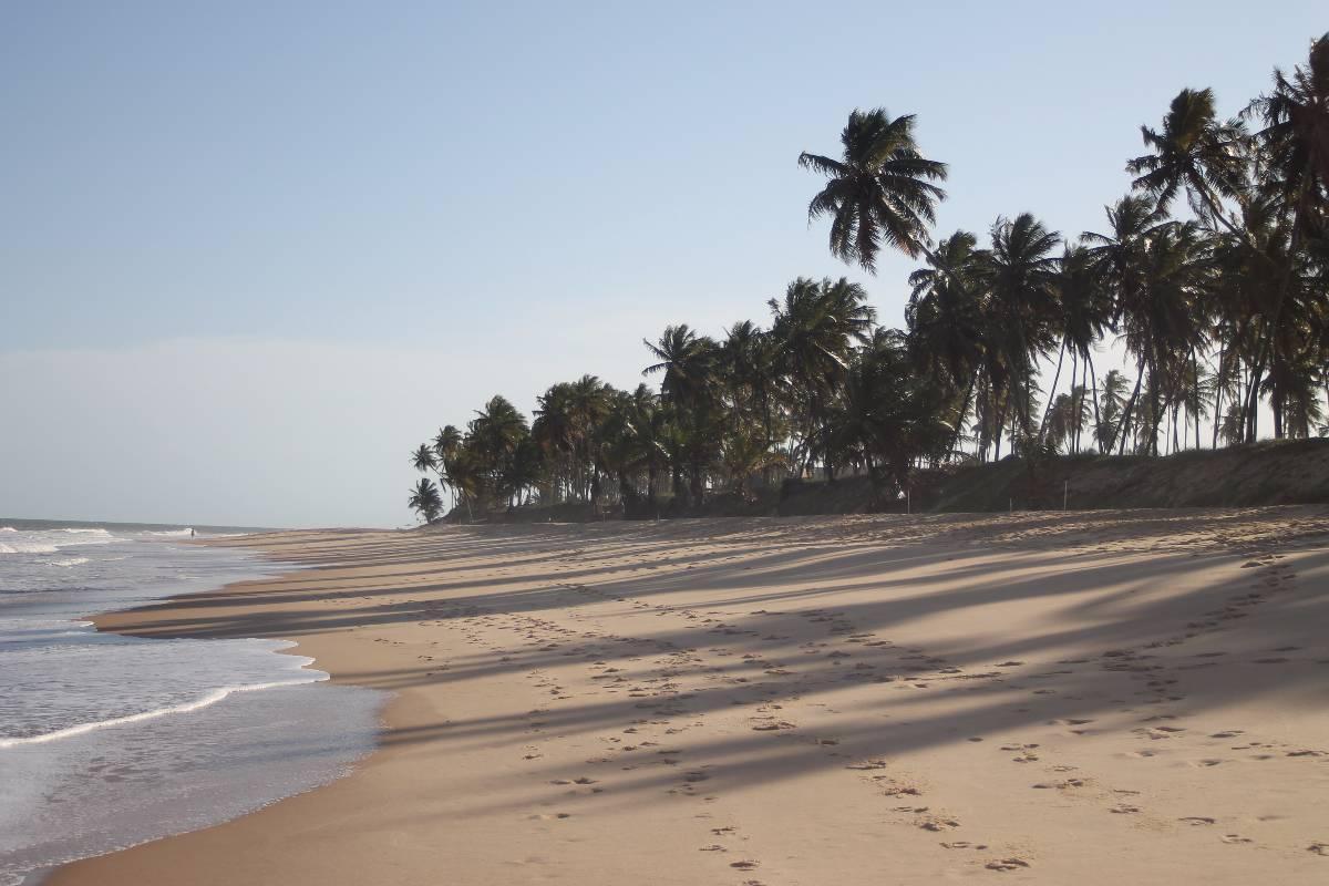 Amplo apto, pé na areia, dentro do Resort