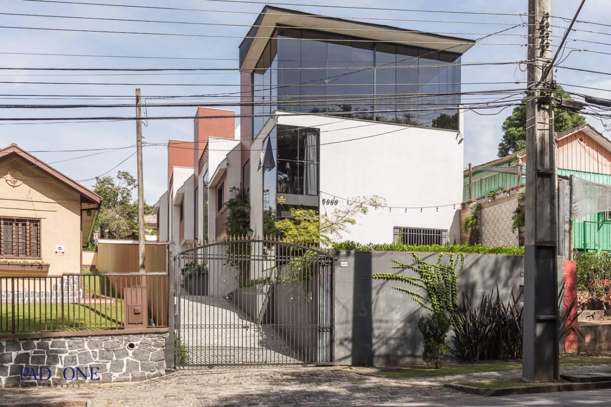 Excelente Residência 210m² em Condomínio Fechado no Bairro São Lourenço