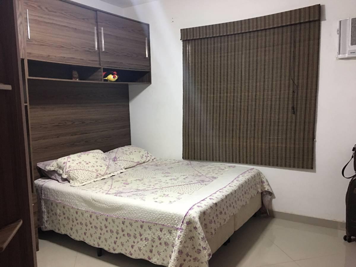 Excelente Casa Duplex com 2 Suítes em Condomínio Fechado na Taquara