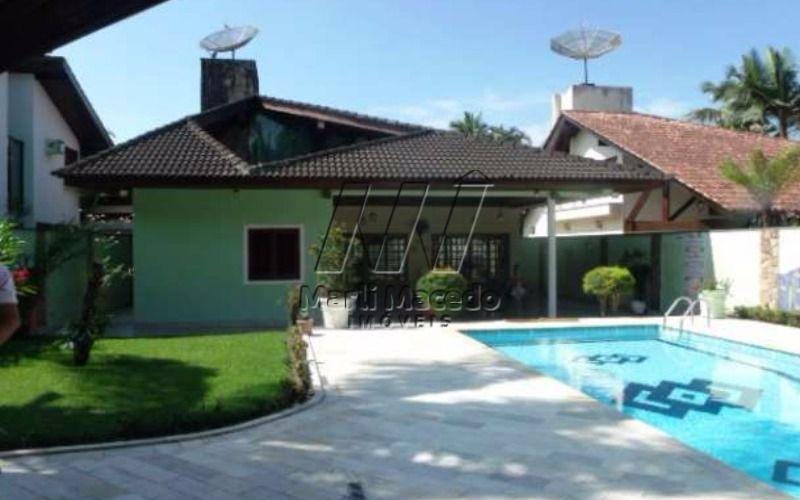 Casa em terreno de 570 m² - Boa localização
