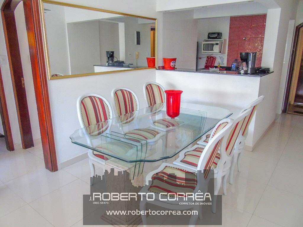 3 Dorms - Reformado - Varanda - Roberto Corrêa Imóveis