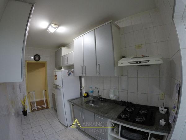 Apartamento no CONDOMÍNIO EDIFÍCIO SÃO MIGUEL - E