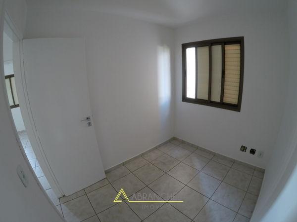 Apartamento no CONDOMÍNIO VILLAS DA ANDALUZIA - V
