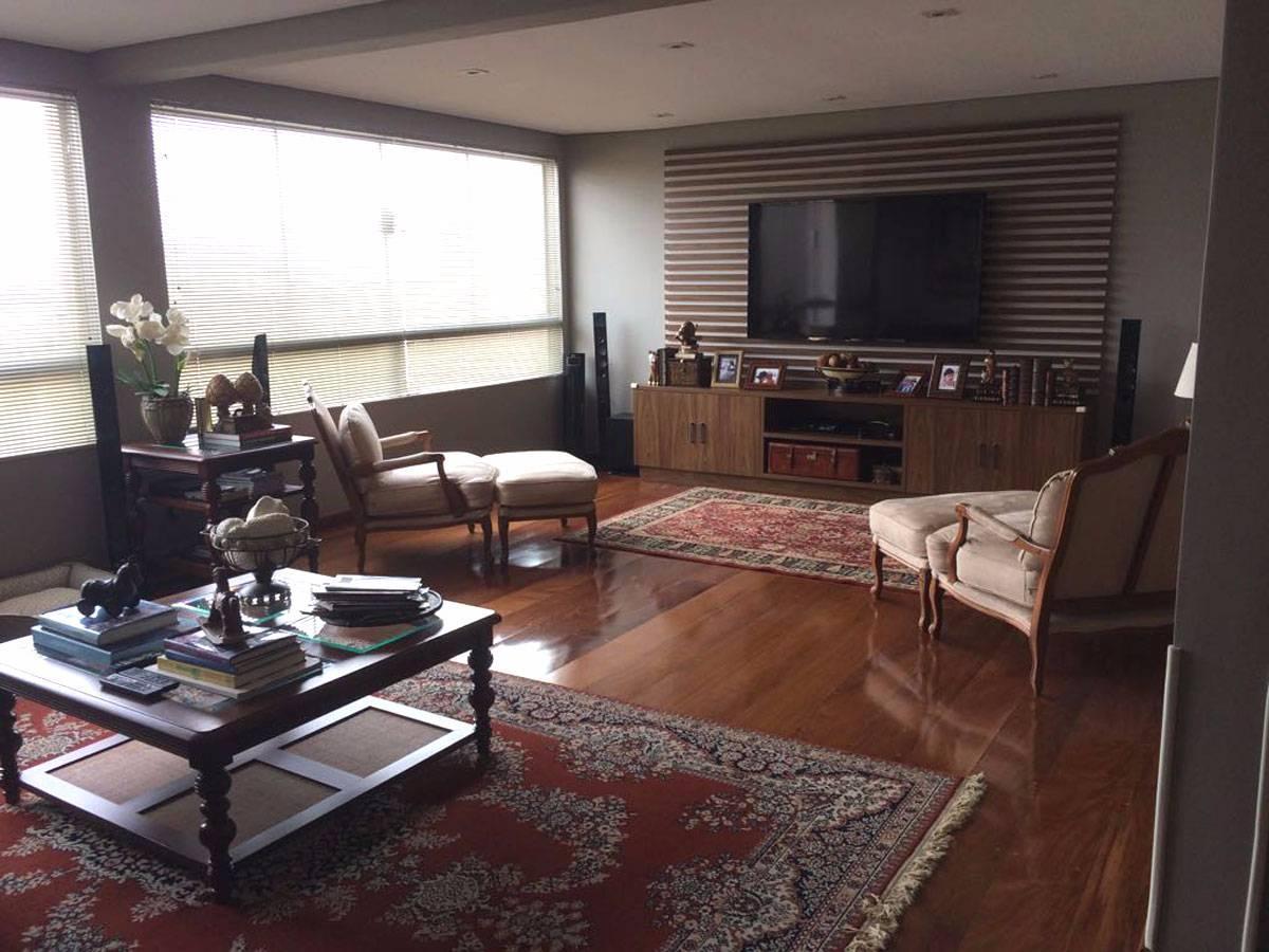 SOBRADO 3 Dormitórios, 3 Suítes, 4 Vagas, Elevador Privativo | Jd São Bento | SP