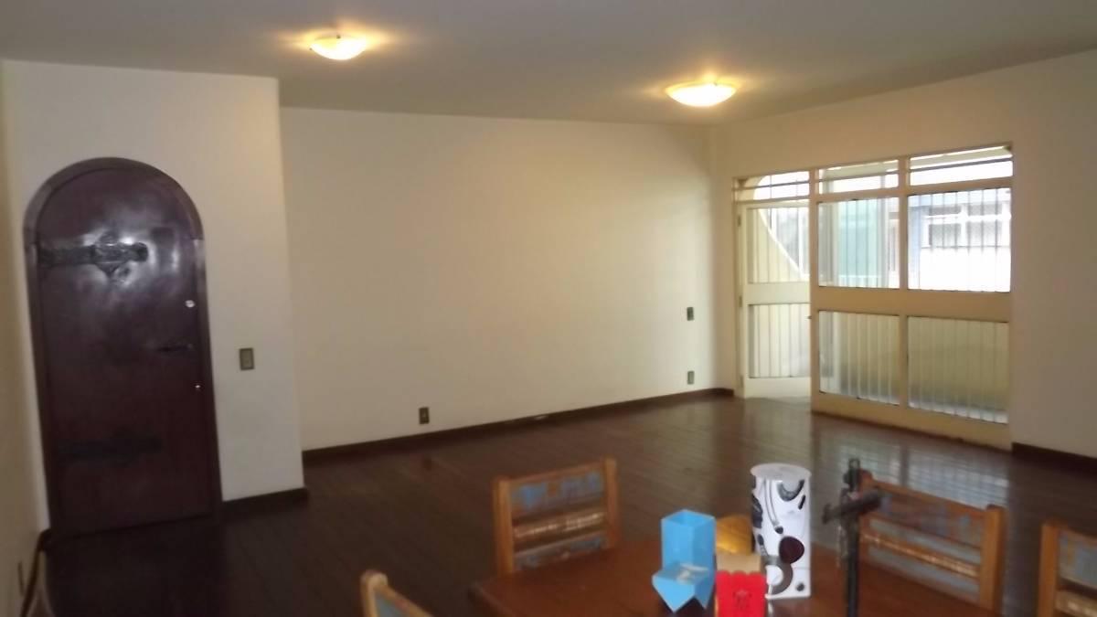 Apartamento 180m², 4 qtos, 3 vgs, Santo Antonio, próx. Av. Prudente Morais