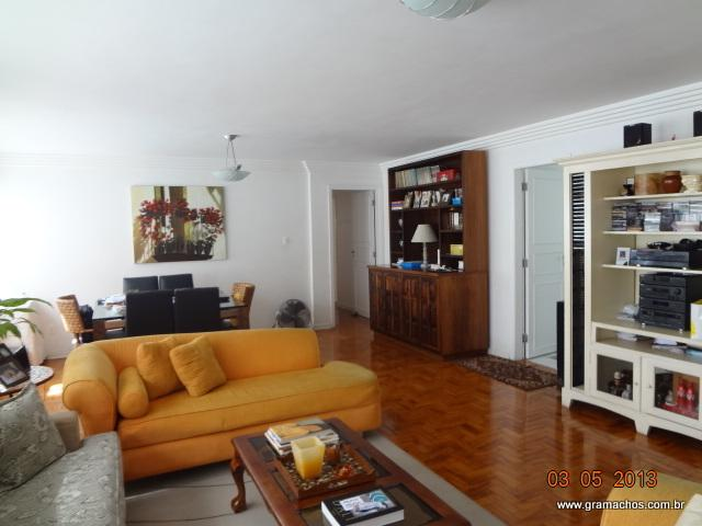 Apartamento à Venda -  193m2 px. da Paulista