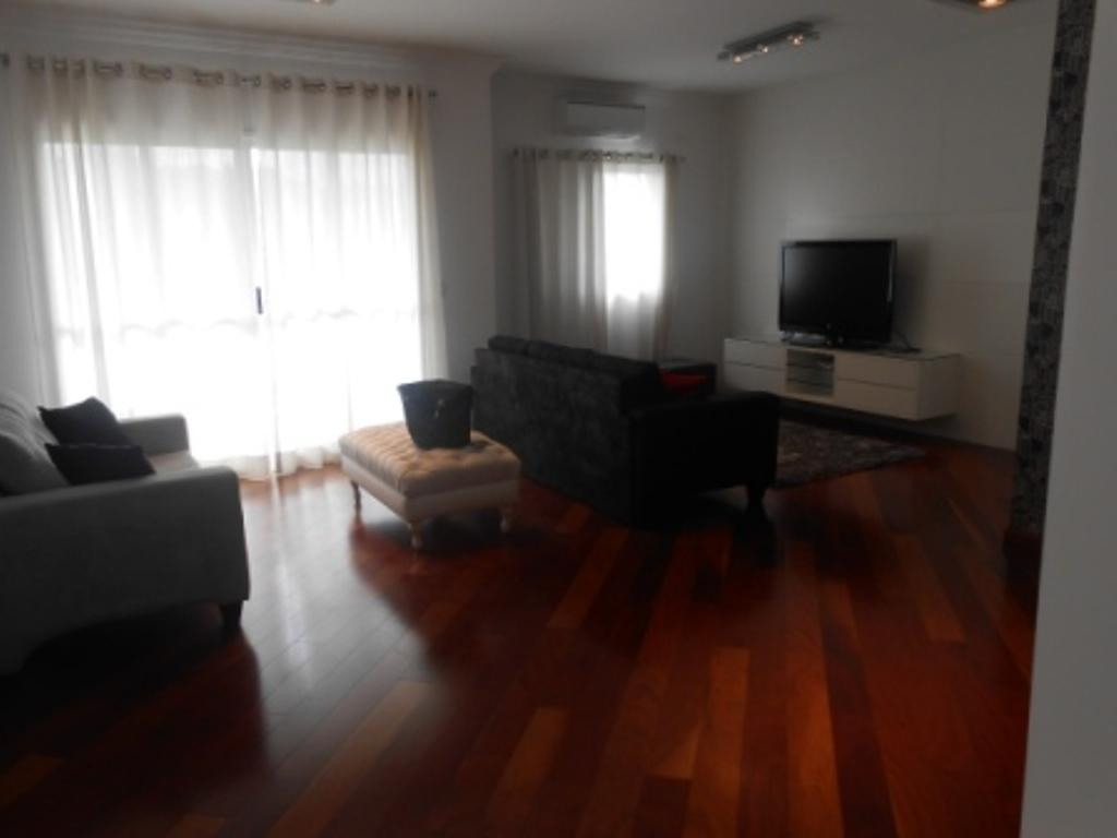 Apartamento mobiliado de 2 dormitórios para locação