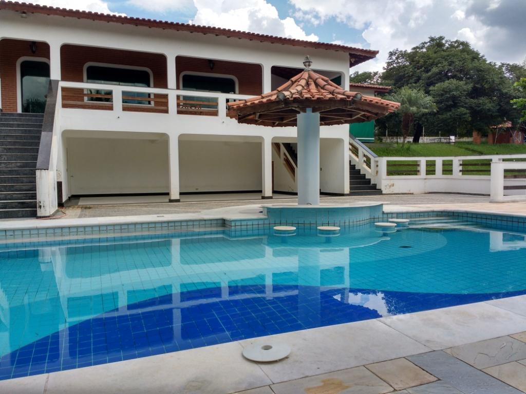 Chácara com 10 mil m² em Mairinque SP