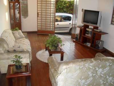 Casa à venda - em Estoril