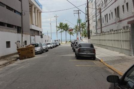 Canto do Forte/quadra da praia/1 dormitório/vaga demarcada