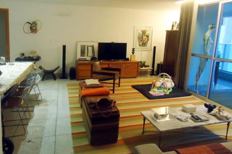 Apartamento à venda - em Carmo