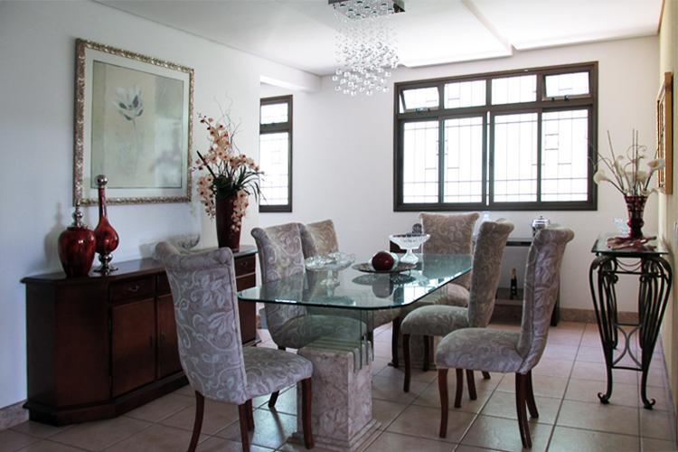 Casa à venda - em Dona Clara