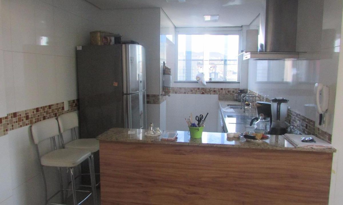 Apartamento à venda - no Horto