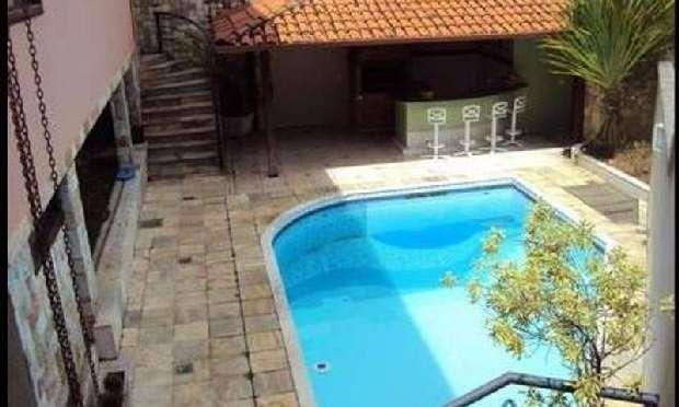 Casa à venda - no Planalto