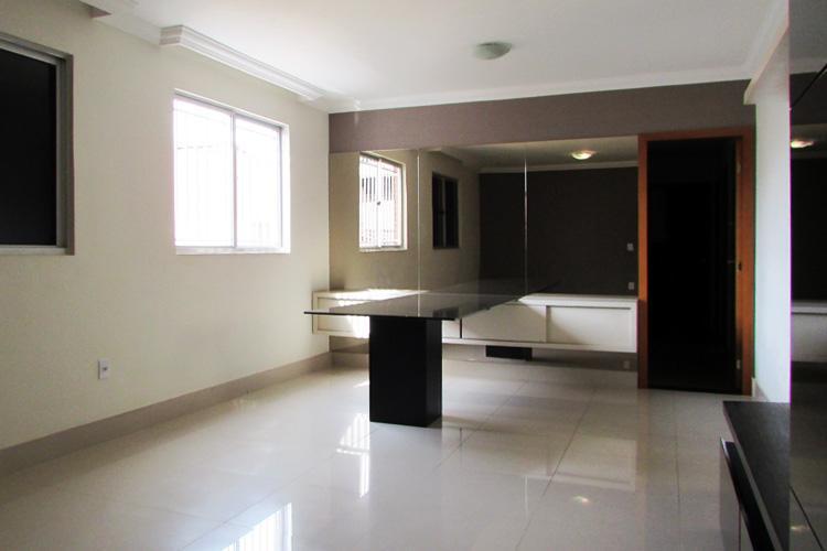 Apartamento à venda - na Sagrada Família