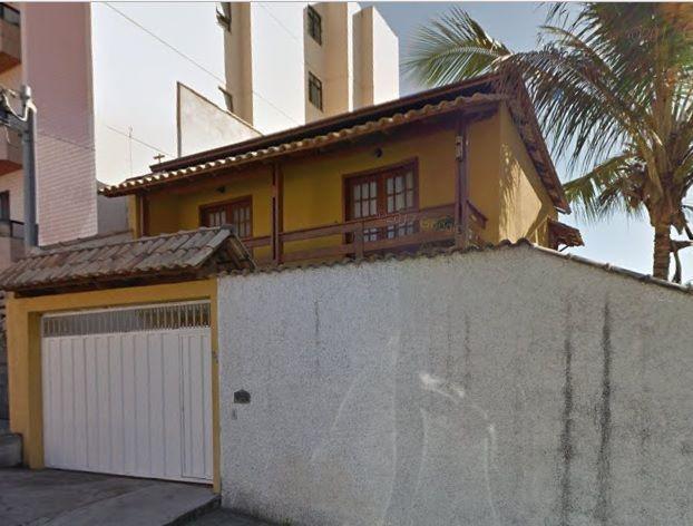Casa 3 quartos, 1 suíte, 3 vagas de garagem - Jardim Laranjeiras - Juiz de Fora