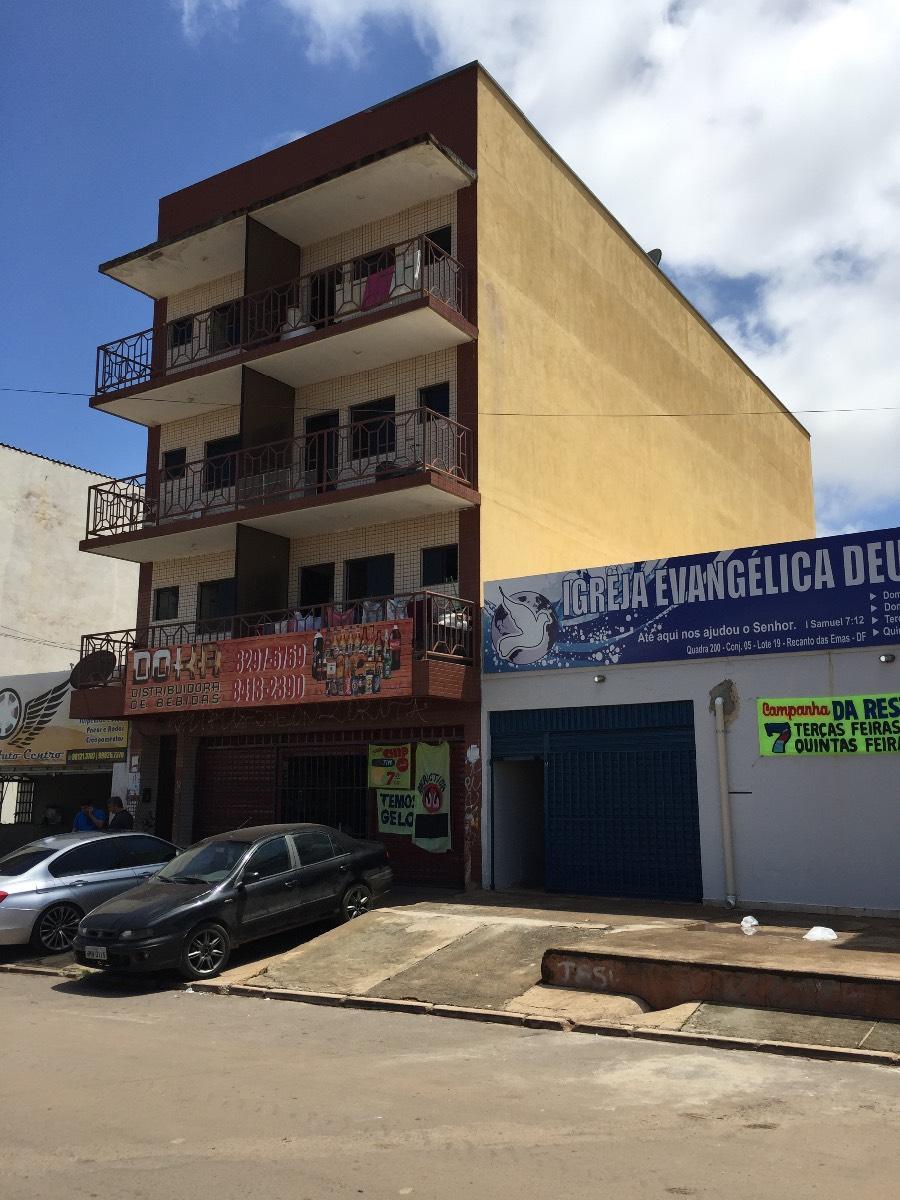 Prédio residencial e comercial, Recanto das Emas quadra 200