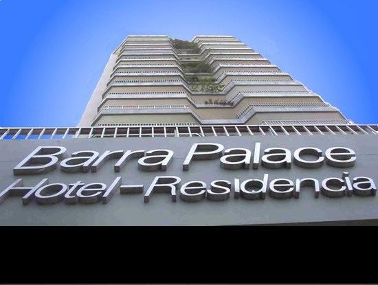 *Belíssimo apartamento no Condomínio Barra Palace, todo reformado