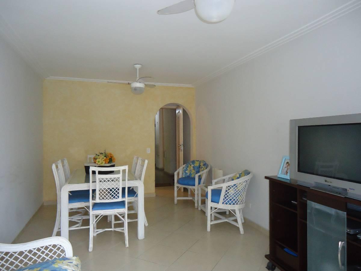Apartamento reformado mobiliado, 2 dorm, 80m Praia das Pitangueiras, Guarujá