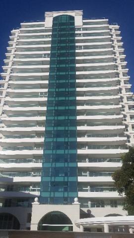 Cobertura na Graça, 4 suites com 187m²,Novo, Pastilhado, Excelente acabamento