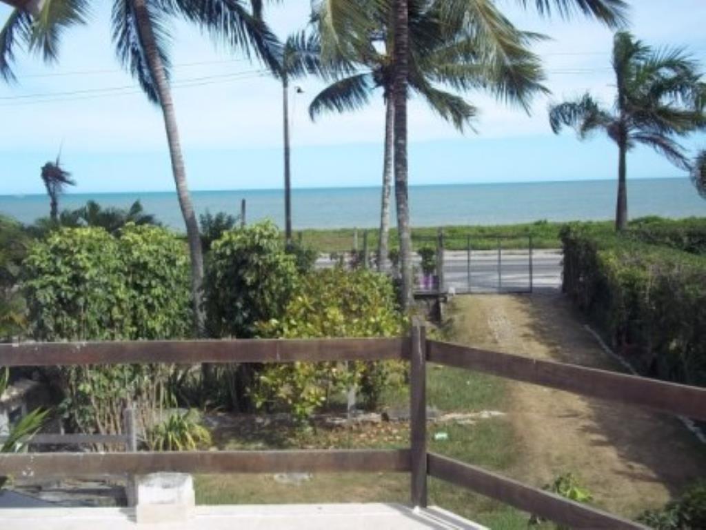 casa-e-dois-apartamentos-frente-mar-BRA0008-1.jpg