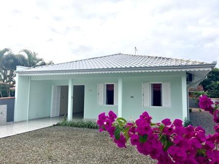 Excelente casa na Barra do Sai