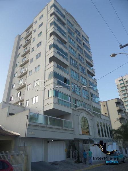 Apartamento no Residencial D'Asti - Meia Praia